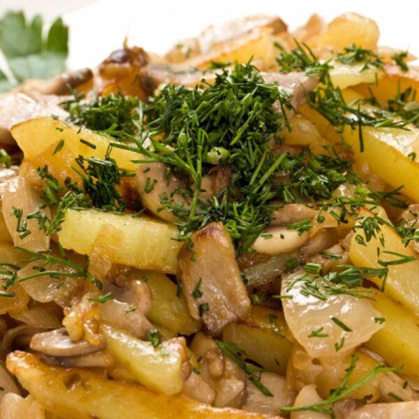 «Жареный картофель с грибами» 200 гр. Кафе-бар Черри Одинцово