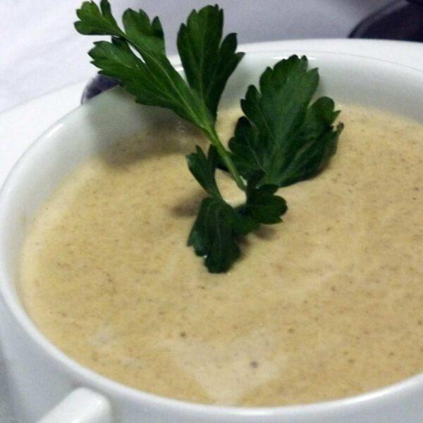 «Крем-суп грибной» 270/10 гр. Кафе-бар Черри Одинцово