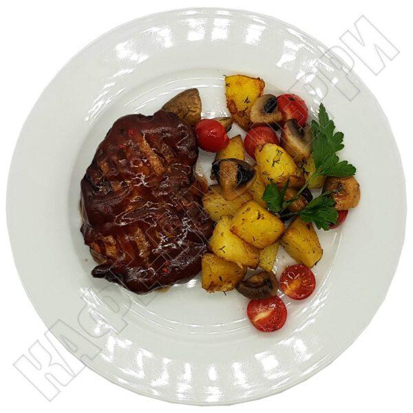 Стейк свиной с соусом барбекю в кафе баре Черри Одинцово